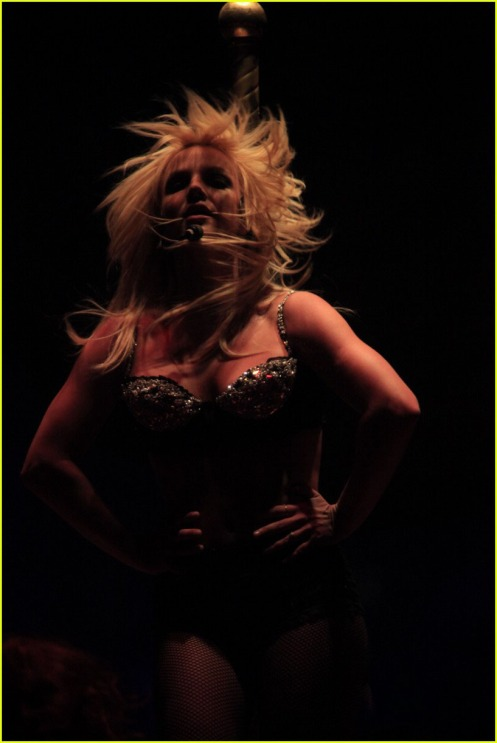 britney-spears-parties-in-pittsburgh-15