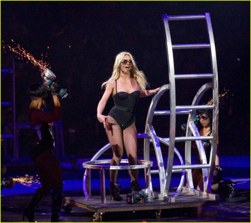 britney-spears-parties-in-pittsburgh-29