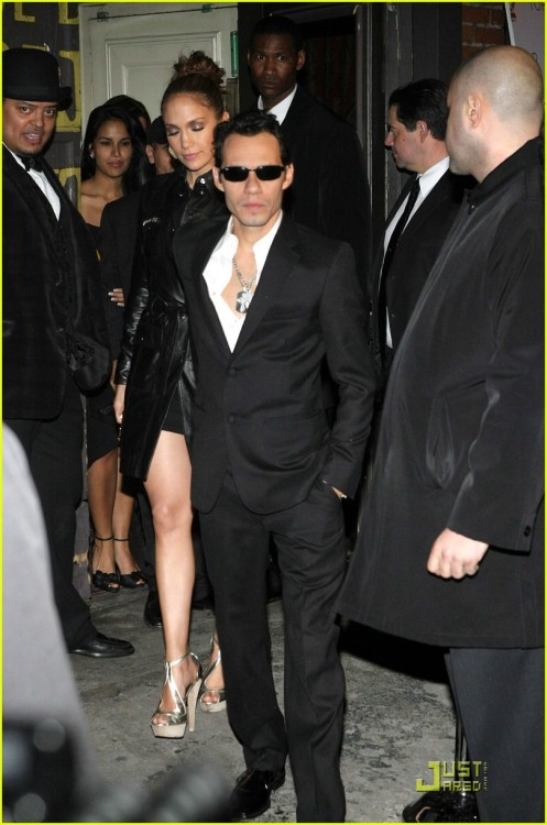 jennifer-lopez-marc-anthony-topshop-07