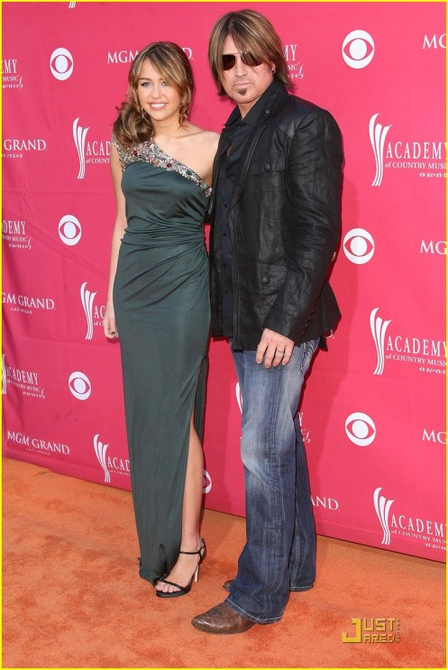 miley-cyrus-acm-awards-03