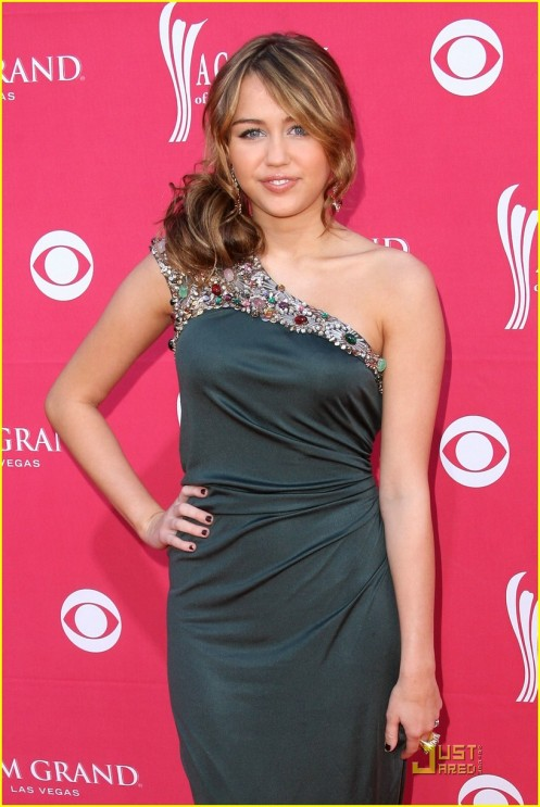 miley-cyrus-acm-awards-04
