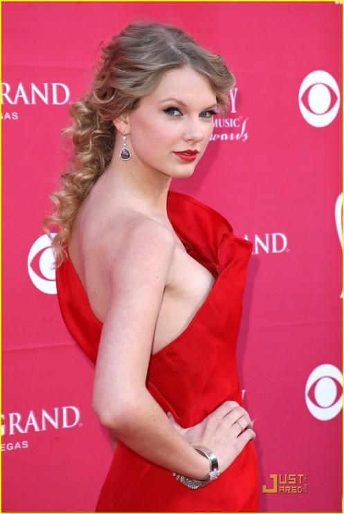 taylor-swift-acm-awards-03