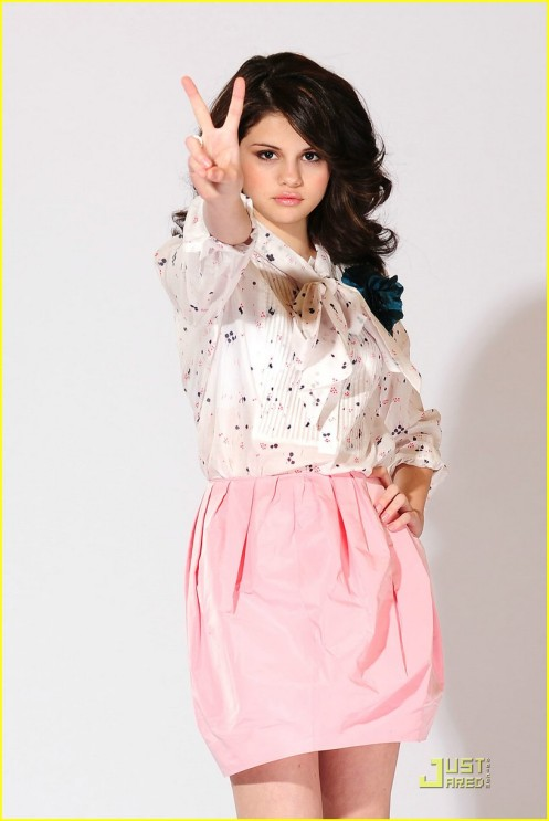 selena-gomez-shoes-shoes-05