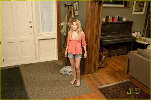 ashley-tisdale-aliens-stills-08