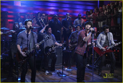jonas-brothers-jimmy-fallon-01